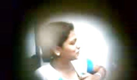 સોનેરી વાળ વાળી, ક્યૂટ સેક્સ નીક્કી ફોનિક્સ છે પ્રયાસ કરી રહ્યા છે, બાઇ-બાઇ-si