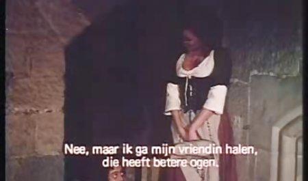 ધુમ્રપાન હોટ શૃંગારિક સુંદર વિડિઓ છોકરી પોતાની જાતને સાથે રમે છે