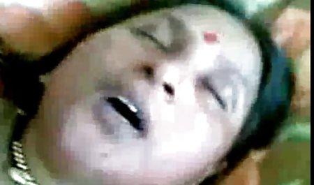 કાળા વાળ વાળી સુંદર ભારતીય પોર્ન છોકરી રાંડ