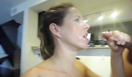 Tion સુંદર સોનેરી porn અને ક્રૂર છે