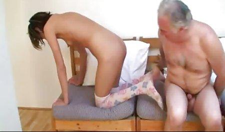 સોનેરી છોકરી ના નાજુક સુંદર સેક્સ મોઢા માં નાખી કિનારી બાંધવી સભ્ય