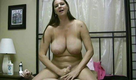 મહિલા છોકરી નું મુઠ સુંદર ઓનલાઇન પોર્ન મારવુ ભોસ ચુત ભીનું બેડ પર છુપાયેલા કેમેરા