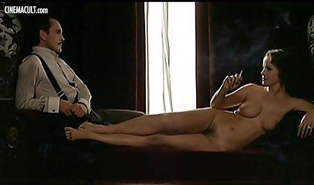 દાદી પોર્ન સુંદર યુવાન છોકરીઓ અને સોનેરી Verdun ઘડિયાળો
